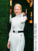 Купить «The Tenth Annual Veuve Clicquot Polo Classic at Liberty State Park - Red Carpet Arrivals Featuring: Nicole Kidman Where: Jersey City, New Jersey, United...», фото № 29192883, снято 4 июня 2017 г. (c) age Fotostock / Фотобанк Лори
