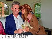 Maren Gilzer with new partner Harry Kuhlmann at Galopprennbahn Hoppegarten (2017 год). Редакционное фото, фотограф AEDT / WENN.com / age Fotostock / Фотобанк Лори