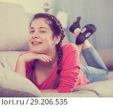 Купить «Girl posing playfully», фото № 29206535, снято 29 марта 2017 г. (c) Яков Филимонов / Фотобанк Лори