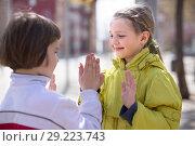 Купить «boy with blonde girl outdoors are friends», фото № 29223743, снято 23 марта 2016 г. (c) Татьяна Яцевич / Фотобанк Лори