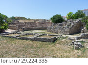 The ruins of the ancient city. Russia, the Republic of Crimea, the city of Sevastopol. 11.06.2018: The ruins of the ancient and medieval city of Chersonese Tauride. Стоковое фото, фотограф Вадим Орлов / Фотобанк Лори