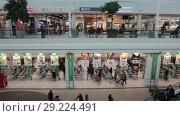 Купить «Интерьер торгового центра Jumbo с магазином Prizma и вещевыми бутиками. Хельсинки, Финляндия», видеоролик № 29224491, снято 30 мая 2018 г. (c) Кекяляйнен Андрей / Фотобанк Лори