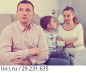 Купить «Family members arguing», фото № 29231635, снято 28 марта 2017 г. (c) Яков Филимонов / Фотобанк Лори