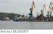 Купить «Петропавловск-Камчатский морской порт», видеоролик № 29233871, снято 4 сентября 2018 г. (c) А. А. Пирагис / Фотобанк Лори