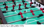 Купить «Игра в настольный футбол», видеоролик № 29249115, снято 26 августа 2018 г. (c) Кекяляйнен Андрей / Фотобанк Лори