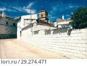 Купить «Ordinary street of El Toboso», фото № 29274471, снято 23 августа 2013 г. (c) Яков Филимонов / Фотобанк Лори