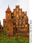 Купить «Castle of Teutonic Order, Torun, Poland», фото № 29317951, снято 11 мая 2018 г. (c) Яков Филимонов / Фотобанк Лори