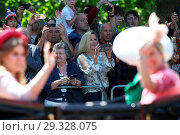 Купить «Trooping The Colour ceremony marking the Queen's 92nd Birthday Featuring: Princess Beatrice, Sophie, Countess of Wessex, Atmosphere Where: London, United Kingdom When: 09 Jun 2018 Credit: WENN.com», фото № 29328075, снято 9 июня 2018 г. (c) age Fotostock / Фотобанк Лори