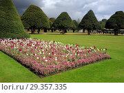 Купить «Hampton Court Palace, London, UK.», фото № 29357335, снято 20 июня 2019 г. (c) age Fotostock / Фотобанк Лори