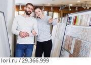 Купить «couple discusses ceramic tile selection», фото № 29366999, снято 2 февраля 2018 г. (c) Яков Филимонов / Фотобанк Лори