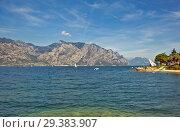 Купить «Озеро Гарда и Альпы. Мальчезине. Италия», фото № 29383907, снято 11 сентября 2018 г. (c) Сергей Афанасьев / Фотобанк Лори