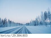 Frozen winter road in Finland. Стоковое фото, фотограф Liseykina / Фотобанк Лори