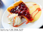 Купить «Pie with raspberry filling and whipped cream», фото № 29394327, снято 6 октября 2018 г. (c) Яков Филимонов / Фотобанк Лори