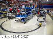 Купить «Poland, assembly at Volkswagen Poznan (VW commercial vehicles, Caddy and T6), pre-assembly work on engine blocks», фото № 29410027, снято 24 мая 2018 г. (c) Caro Photoagency / Фотобанк Лори