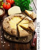 Купить «Галета с сыром и овсяными хлопьями», фото № 29411275, снято 9 ноября 2018 г. (c) Надежда Мишкова / Фотобанк Лори