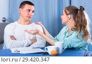 Купить «Couple struggling to pay bills», фото № 29420347, снято 18 марта 2017 г. (c) Яков Филимонов / Фотобанк Лори