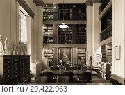 Winnipeg, Manitoba, Canada - 2014-11-21: Interior of Manitoba Legislature library. The library is located in Manitoba Legislative Building constructed in 1920 in the centre of Manitoba s capital Winnipeg. Редакционное фото, фотограф Вадим Роднев / Фотобанк Лори