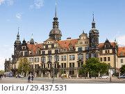 Купить «Дворец-резиденция саксонских курфюрстов и королей в городе Дрездене в Германии», фото № 29437531, снято 17 сентября 2010 г. (c) Солодовникова Елена / Фотобанк Лори