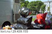 Купить «Mobile receiving point of waste recycling. environmental movement RAZdelniy sbor», видеоролик № 29439155, снято 2 июня 2018 г. (c) Ирина Мойсеева / Фотобанк Лори