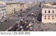 Купить «aerial view of pedestrian crossing of Ligovsky prospect, Moscow railway station», видеоролик № 29439455, снято 8 августа 2018 г. (c) Ирина Мойсеева / Фотобанк Лори