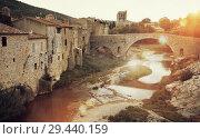 Купить «Medieval bridge in Lagrasse, France», фото № 29440159, снято 6 октября 2018 г. (c) Яков Филимонов / Фотобанк Лори