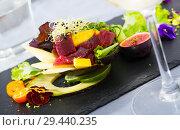 Купить «Salad of tuna with mango and avocado», фото № 29440235, снято 19 декабря 2018 г. (c) Яков Филимонов / Фотобанк Лори
