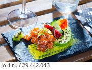 Купить «Tartar with tuna, avocado, mango sauce», фото № 29442043, снято 19 декабря 2018 г. (c) Яков Филимонов / Фотобанк Лори