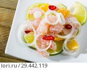Купить «Shrimp ceviche with lime, tangerine and hot pepper», фото № 29442119, снято 18 июля 2019 г. (c) Яков Филимонов / Фотобанк Лори