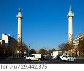 Купить «View of Place de la Nation with columns», фото № 29442375, снято 10 октября 2018 г. (c) Яков Филимонов / Фотобанк Лори