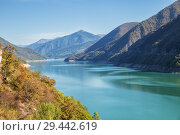 Купить «Zhinvali reservoir on Aragvi River, Georgia. Beautiful landscape in autumn sunny day», фото № 29442619, снято 24 сентября 2018 г. (c) Юлия Бабкина / Фотобанк Лори
