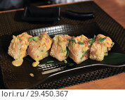 Купить «Baked rolls on table in a restaurant», фото № 29450367, снято 8 марта 2018 г. (c) Володина Ольга / Фотобанк Лори