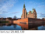 Купить «Exterior of Rosenborg Castle, Copenhagen», фото № 29465139, снято 10 декабря 2017 г. (c) EugeneSergeev / Фотобанк Лори