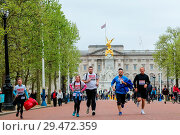 Купить «Over 100 runners complete a 3.7 mile run from Shadwell DLR station, where former MasterChef contestant Matt Campbell collapsed and died during the London...», фото № 29472359, снято 29 апреля 2018 г. (c) age Fotostock / Фотобанк Лори