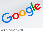 Купить «Логотип поисковой системы Google на экране компьютера (крупный план)», фото № 29475891, снято 24 ноября 2018 г. (c) Екатерина Овсянникова / Фотобанк Лори