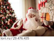 Купить «Santa Claus Christmas Eve», фото № 29476435, снято 26 октября 2018 г. (c) Типляшина Евгения / Фотобанк Лори