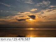 Купить «Плещеево озеро, закат», фото № 29478587, снято 17 мая 2018 г. (c) Юлия Бабкина / Фотобанк Лори