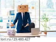 Купить «Unhappy man with box instead of his head», фото № 29480427, снято 24 июля 2018 г. (c) Elnur / Фотобанк Лори