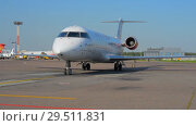 Купить «Official spotting. The plane Rusline airlines taxied to the parking lot.», видеоролик № 29511831, снято 1 августа 2018 г. (c) Андрей Радченко / Фотобанк Лори