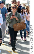 Купить «Carrie Ann Inaba goes to the Farmers Markey with family and friends Featuring: Carrie Ann Inaba Where: Los Angeles, California, United States When: 15 Apr 2018 Credit: WENN.com», фото № 29515847, снято 15 апреля 2018 г. (c) age Fotostock / Фотобанк Лори