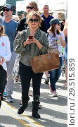 Купить «Carrie Ann Inaba goes to the Farmers Markey with family and friends Featuring: Carrie Ann Inaba Where: Los Angeles, California, United States When: 15 Apr 2018 Credit: WENN.com», фото № 29515859, снято 15 апреля 2018 г. (c) age Fotostock / Фотобанк Лори
