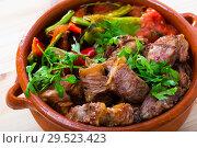 Bulgarian dish Gyuvech. Стоковое фото, фотограф Яков Филимонов / Фотобанк Лори