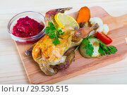 Купить «Grilled hen with cranberry sauce and broiled vegetables», фото № 29530515, снято 17 июля 2019 г. (c) Яков Филимонов / Фотобанк Лори