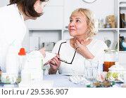 Купить «MAture woman and doctor», фото № 29536907, снято 14 ноября 2017 г. (c) Яков Филимонов / Фотобанк Лори