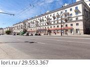 Купить «Улица имени Свердлова. Екатеринбург», фото № 29553367, снято 20 июня 2017 г. (c) Евгений Ткачёв / Фотобанк Лори