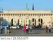 Портал Героев, или Внешние крепостные ворота (Бургтор), Вена, Австрия (2018 год). Редакционное фото, фотограф Ольга Коцюба / Фотобанк Лори