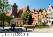 Купить «Park Swietopelka and St. Nicholas Roman Church landmark in old city Gdansk», фото № 29560319, снято 12 мая 2018 г. (c) Яков Филимонов / Фотобанк Лори