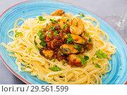 Купить «Italian seafood pasta with shrimps and mussels», фото № 29561599, снято 18 июня 2019 г. (c) Яков Филимонов / Фотобанк Лори
