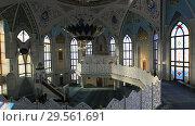 Купить «В мечети Кул Шариф в Казани, время молитвы», видеоролик № 29561691, снято 6 декабря 2018 г. (c) Яна Королёва / Фотобанк Лори