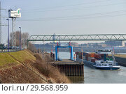 Купить «Germany, North Rhine-Westphalia - inland port in Duisburg», фото № 29568959, снято 7 марта 2018 г. (c) Caro Photoagency / Фотобанк Лори