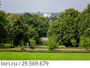 Купить «Essen, Ruhrgebiet, Hallopark, panoramic view in direction Zeche Zollverein colliery», фото № 29569679, снято 13 августа 2016 г. (c) Caro Photoagency / Фотобанк Лори